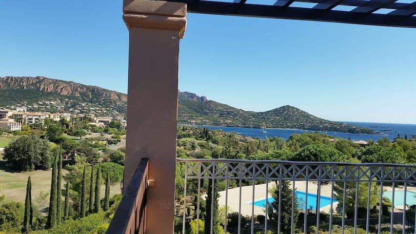 Studio Cap Estérel Vue mer Panoramique 180° Rénové