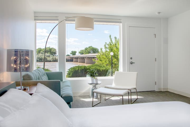 Skyfall Guestrooms - Green River - Inny