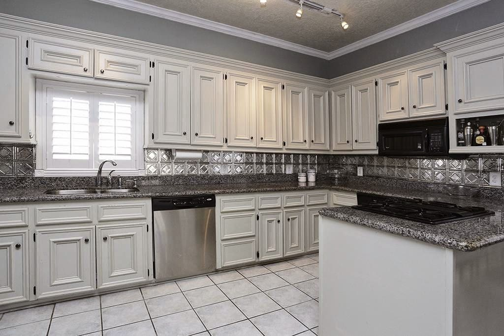 Spacious, updated kitchen!