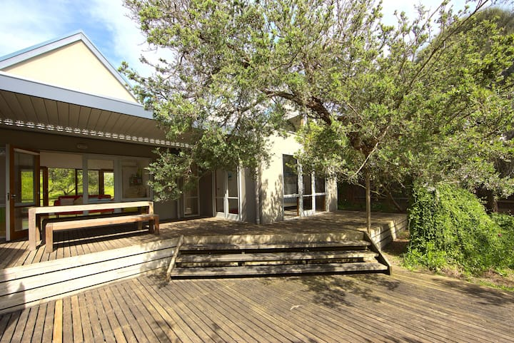 Blairgowrie Beach Hideaway -Close to ocean and bay