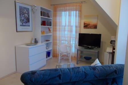 Möbl. Wohn-Schlafzimmer für 2 Personen Nähe Nbg - Altdorf bei Nürnberg - Haus