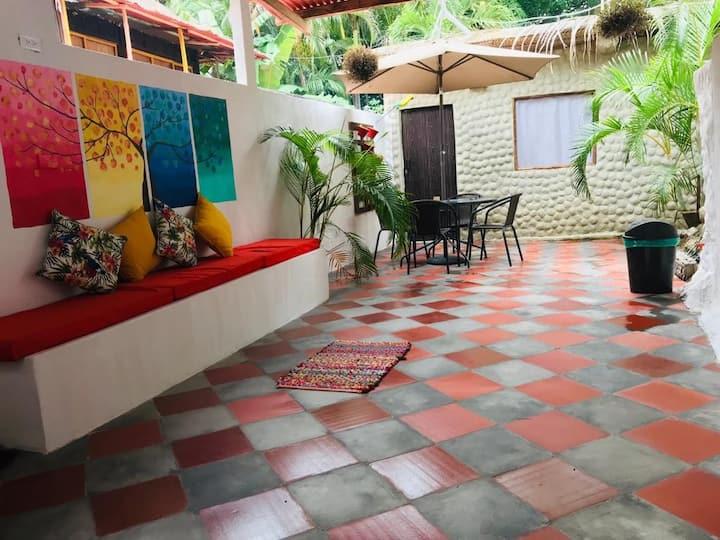 Juvaquiz Casa Hostal3/breakfast/ wifi /2Km Tayrona