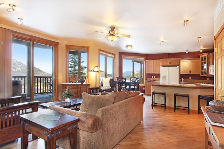 Terra Tomah Mountain 40B - 2 Br condo with private hot tub, Marys Lake and