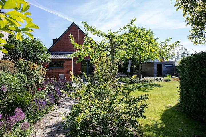 Huis in het groen, dicht bij Kortrijk & Gent