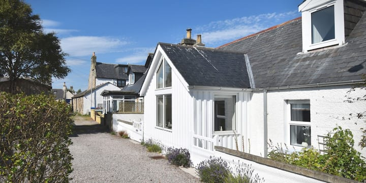 A unique destination for cosy retreats in Findhorn