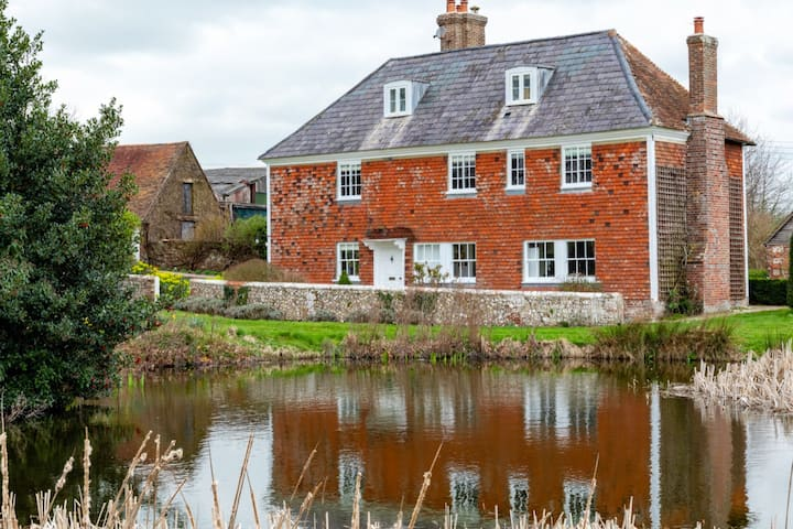 Allington Farm - a stylish retreat for families