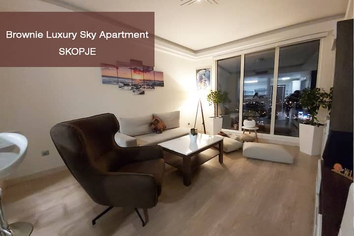 Brownie Luxury Sky Apartment