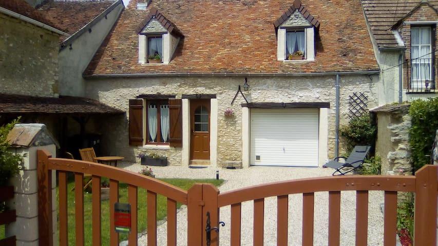 Maison Briarde 8 km de Provins (77)
