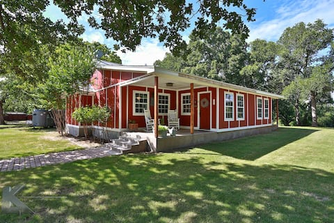 The Little House at Red Oaks Ranch