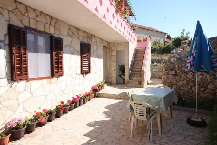 One bedroom apartment with terrace Stivan, Cres (A-382-d)