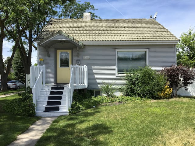 Cozy house close to  ski hill & downtown Boise