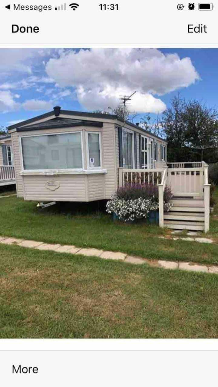 2 bedroom caravan with indoor swimming pool