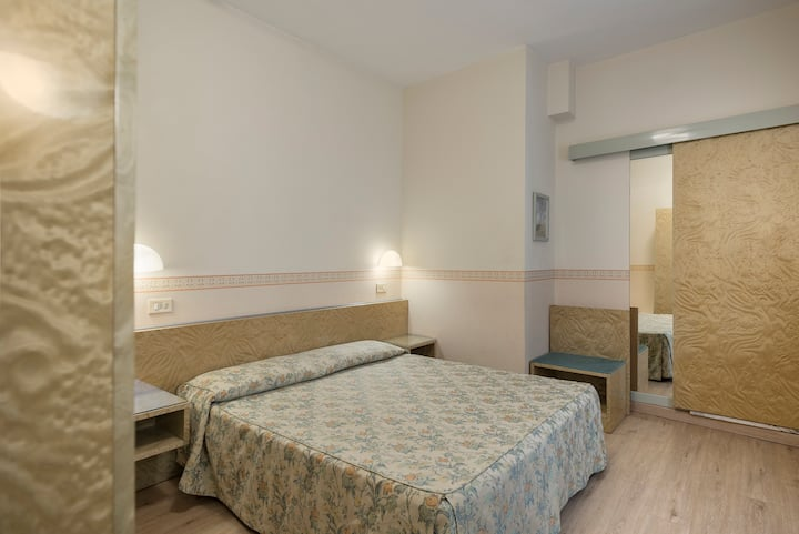Double Room in Family Run Hotel Garibaldi Mestre