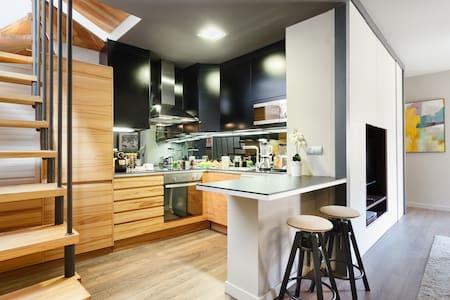 LUXURY PENTHOUSE WITH BIG TERRACE - Barcelona - Apartemen