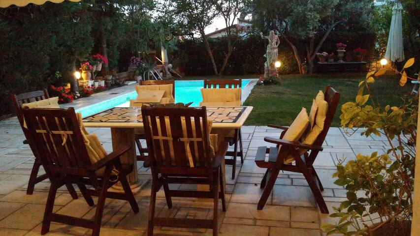 Luxury 8+ Persons Villa Swim/Pool - Voula