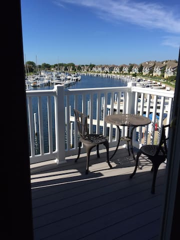 Cozy 1 bedroom condo in beautiful Harbor Village - Manistee - Osakehuoneisto