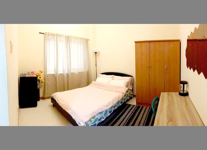 Room available behind Mall of the Emirates - Dubai