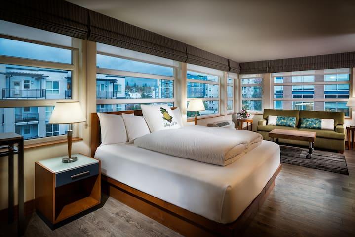Watertown Hotel, Montlake Junior Suite