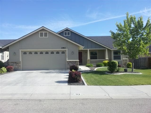 Comfy, Friendly, and clean home in SW Boise - Boise - House