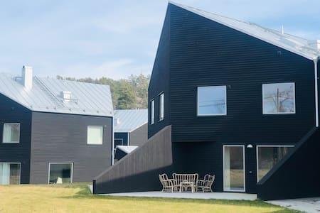 Fullutrustat nybyggt parhus på Ljusterö, hus 4