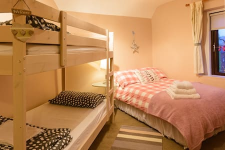 Family Room , Double bed & Bunk Bed - Dublin