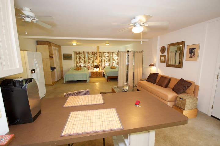 Beach Hale Studio- steps to White Sand Beach - Waimanalo - Apartment