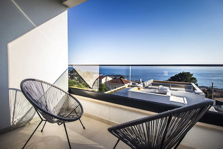 New Villa with Stunning Sea View &  heated pool