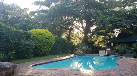 PET FRIENDLY, Self catering cottage in Amanzimtoti