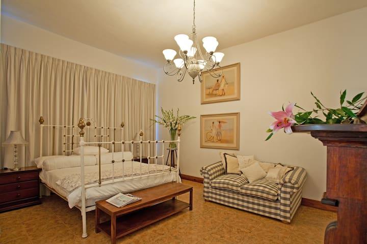 King Suite - Ground Floor