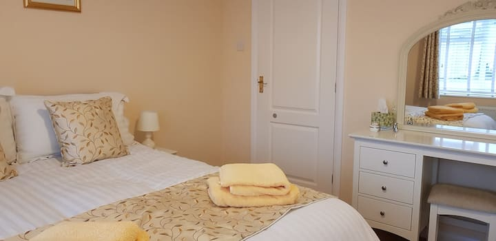 Willow Brook B & B, en-suite double bed