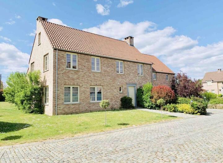 Magnifique maison en campagne. wifi et parking