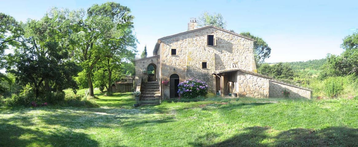 Podere Montepozzo, a charming country home - Acquapendente - Отпускное жилье