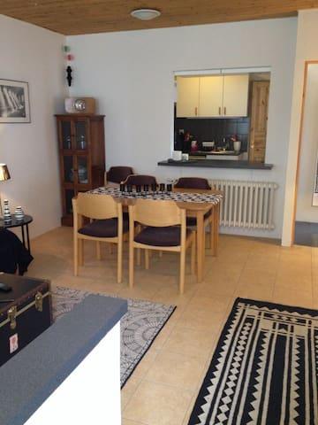 living /dining facing kitchen