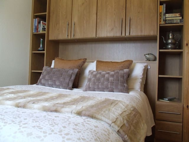 Double room (standard) with ensuite facilities