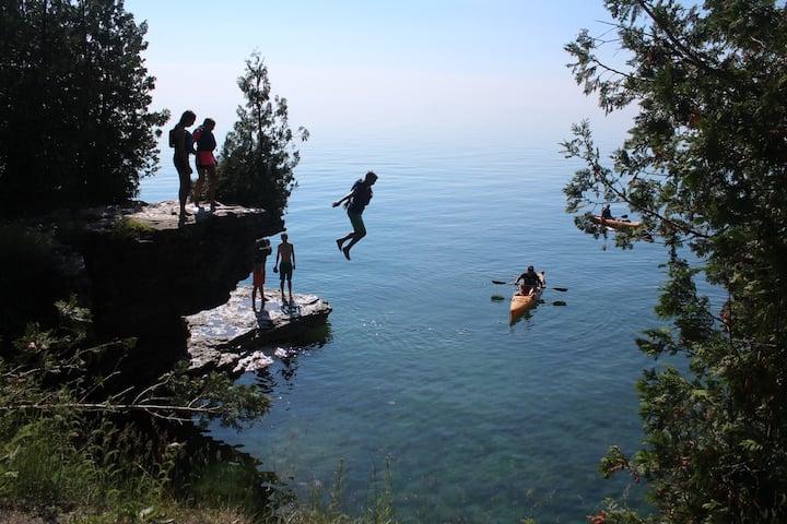 A spot to cliff jump
