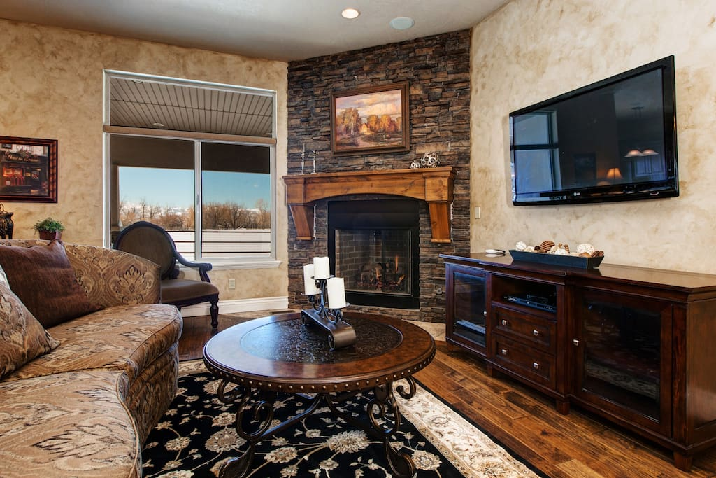 We're pet-friendly! Go hunting or fishing, then curl up with your pup in front of the fireplace