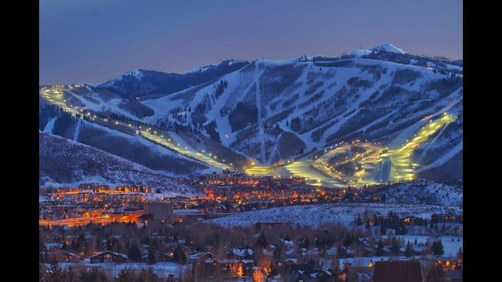Park City Condo for Christmas! (2BR/2BA) sleeps 6
