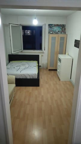 Private Bedroom near old citycenter - Nürnberg - Appartement