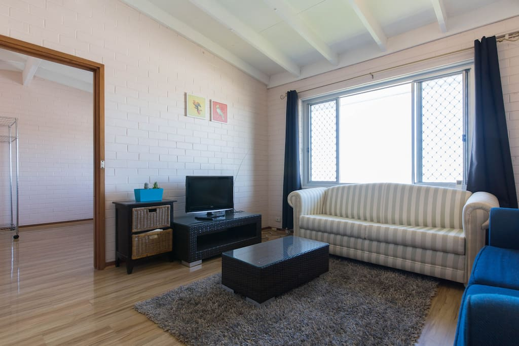 Private One Bedroom Apartment Apartments For Rent In Hamilton Hill Western Australia Australia
