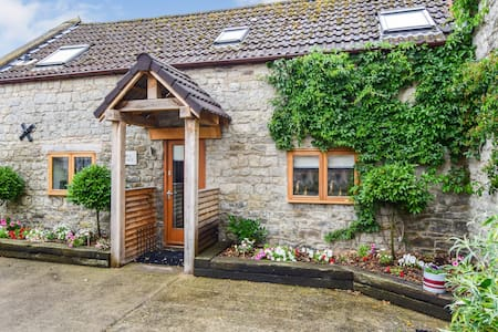 Stable Cottage, Hot Tub, Avon Farm Estate
