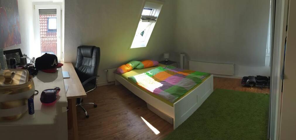 Gemütliches Zimmer im schönen Stuttgarter Westen