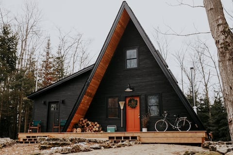 Heaframe - An A-Frame cabin in the woods