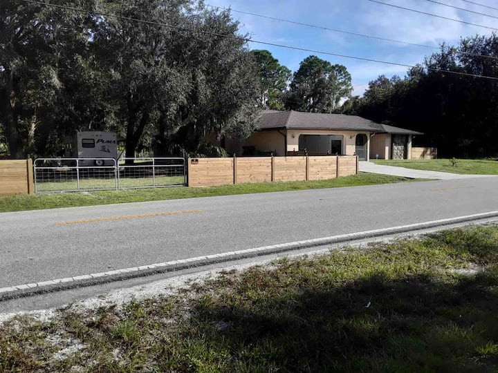Newly Updated: HEATED Pool Home Oasis - LargeLot