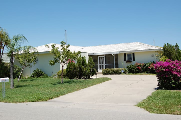 Charming waterfront house - Punta Gorda - Haus