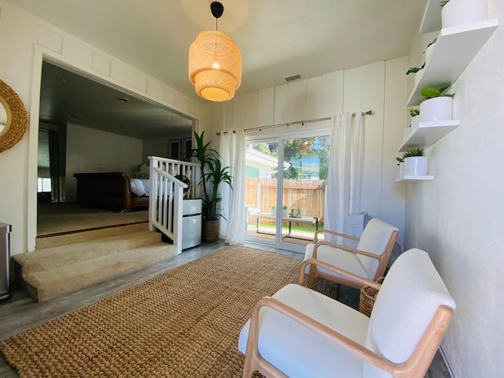 Santa Barbara Bungalow - with AC