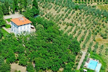 Large Villa: 2Pools, AC, near town - Cavriglia