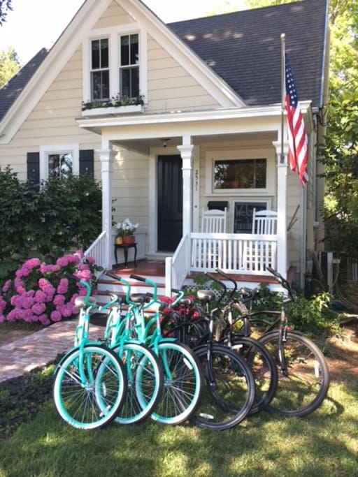 Free bike use for touring downtown or a few nearby wineries!
