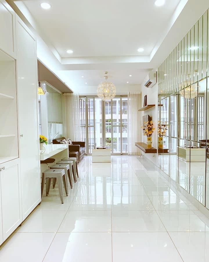 2 bedroom apartment, near Crescent mall&SECC