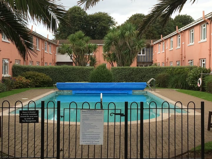 Sea front flat in Paignton, Devon