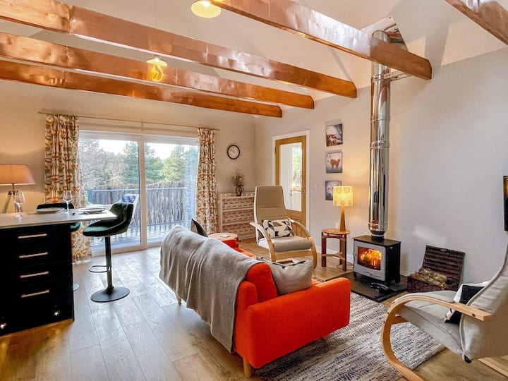 Copper Cottage. Cosy, comfy, woods and wildlife.